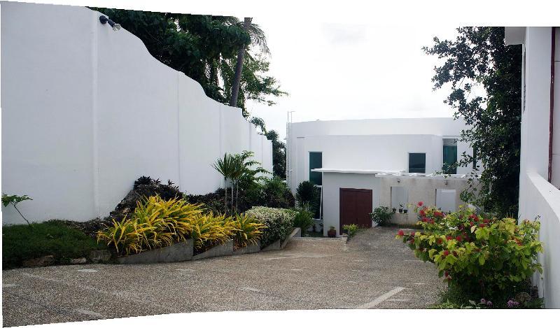 Back side Miami White Villa