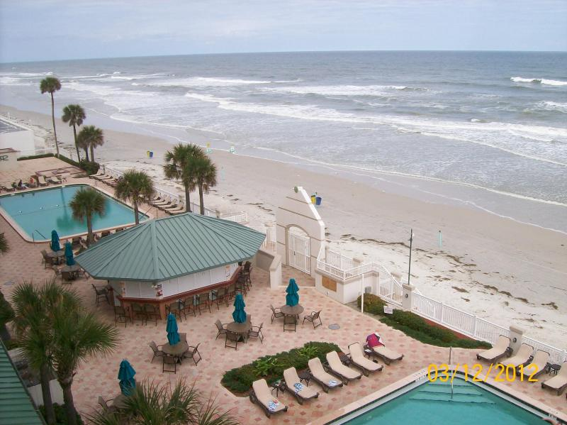 Daytona Beach Resort's Pool Area w/ Tiki Bar