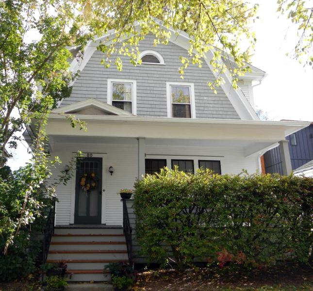 Classic, Comfortable, in Downtown Burlington, holiday rental in Richmond