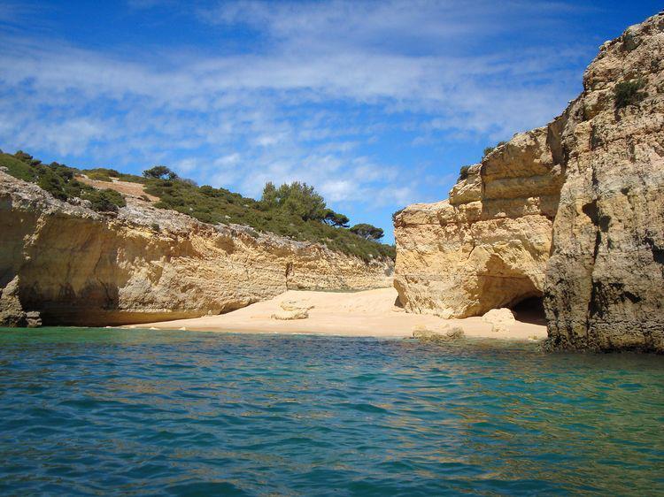Well located 2 bedroom apartment, close to sea, location de vacances à Ferragudo