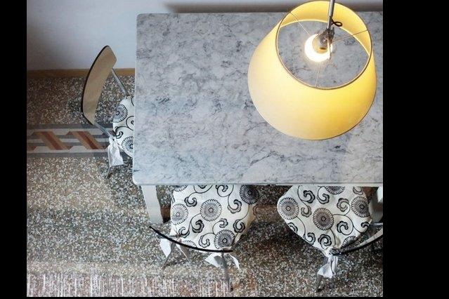 Originale table de marbre des mamies, Super pour faire des pâtes fraîches faites maison !