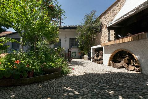 To Spitaki: Guesthouse  By the Garden, location de vacances à Arachova