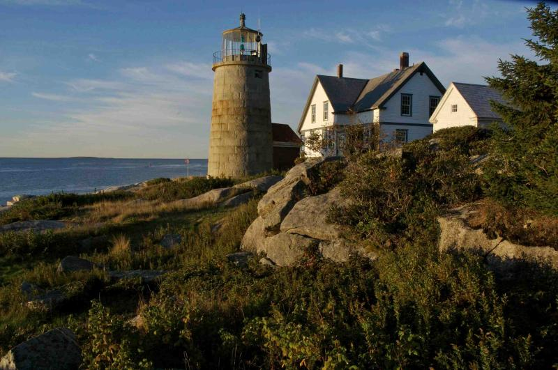 Working Lighthouse on Picturesque Island in Maine, holiday rental in Spruce Head