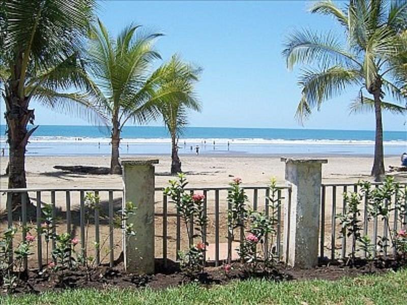 Bahia Azul Luxury w Amazing Beachfront & Ocean Views, vacation rental in Jaco