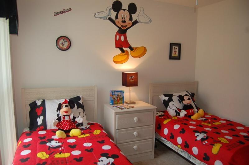 Bedroom 4 - Twin beds Disney Theme