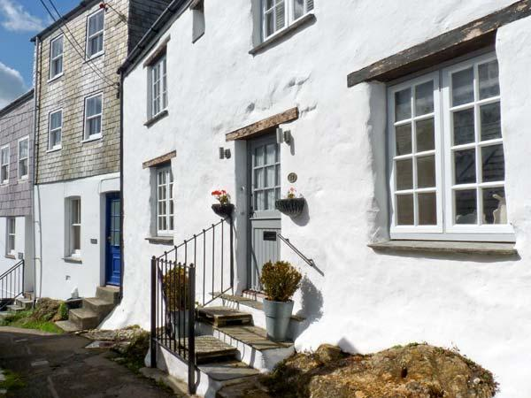 17 THE CLIFF, woodburner, wet room, sea views in Mevagissey, Ref. 26244, casa vacanza a Mevagissey