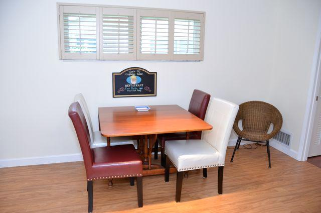 Dining Area, table can be extended to fit 5-6 persons