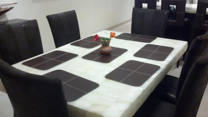 White Onxy dining set