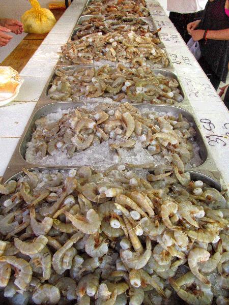 Marché de fruits de mer La Cruz - 3 minutes. Regardez les pêcheurs ramener leurs prises chaque jour