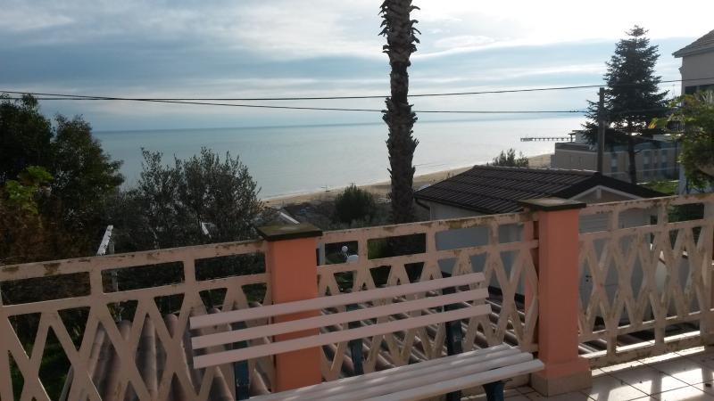 Terrace/outdoor dining area