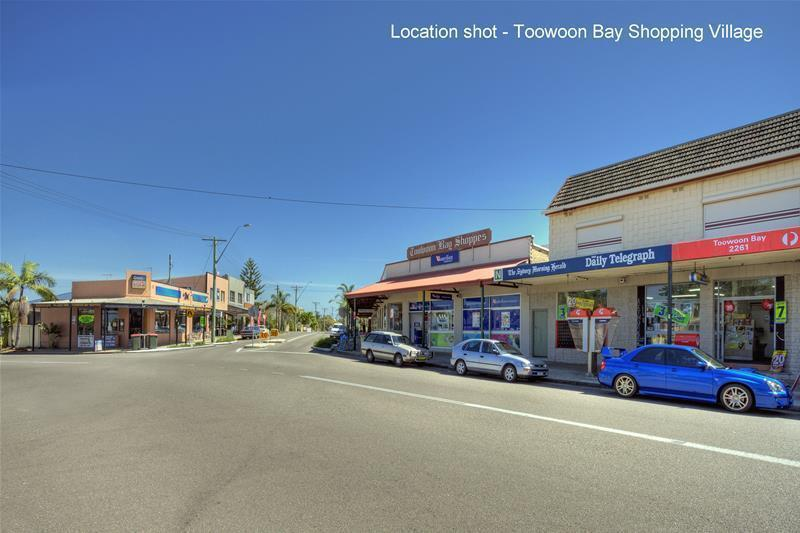 Toowoon Bay shopping Village