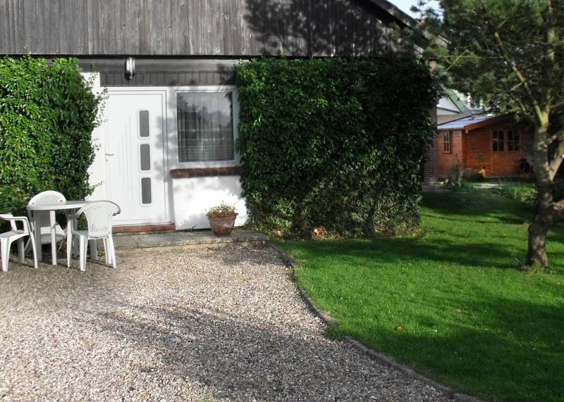 Entrance & garden