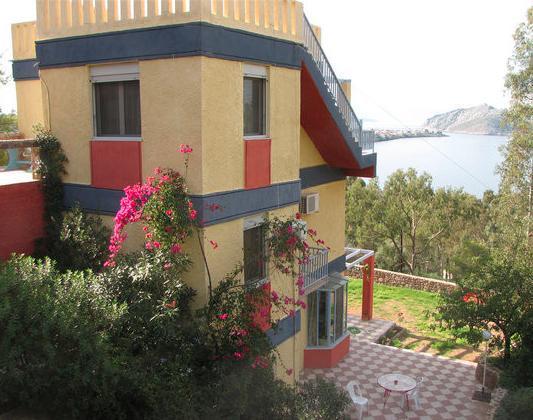 The Castlerock House, location de vacances à Aegina
