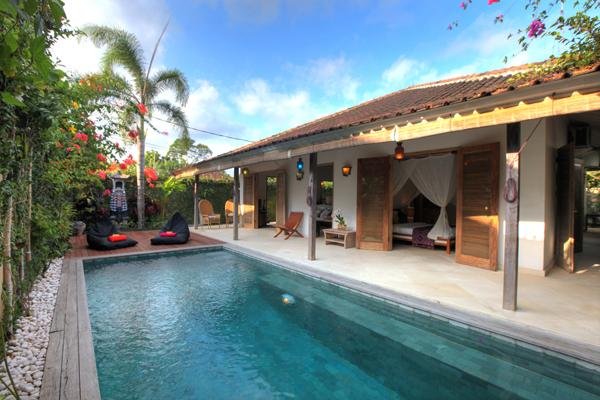 Villa 007, a charming villa peacefully located yet only a 15 minute walk to the middle of Seminyak.