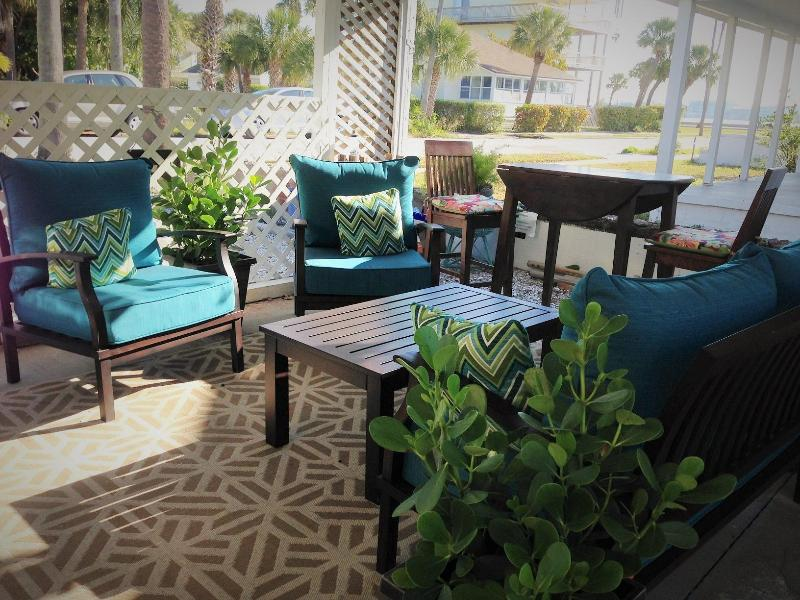 Shared out door patio with view of Intercoastal Waterway.