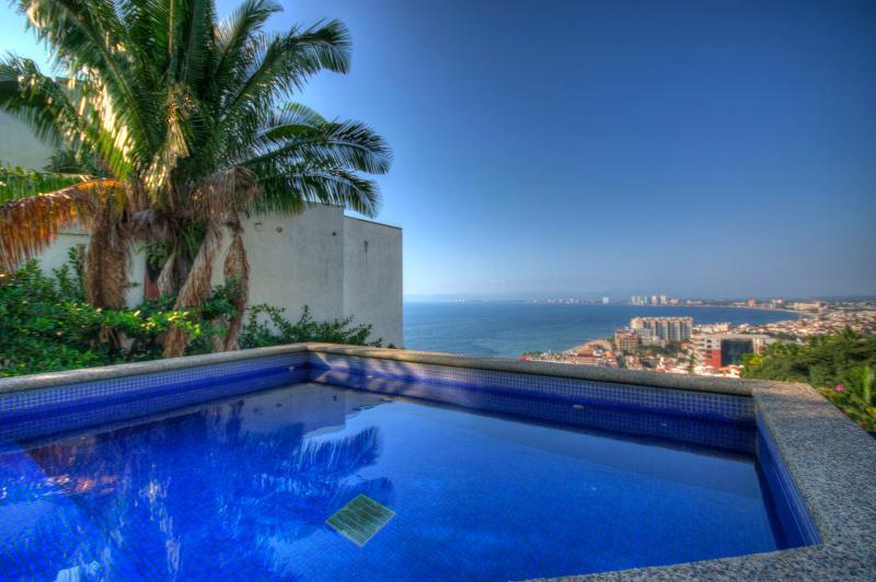 Spectacular Ocean Views -2 Storey Penthouse  Villa, vacation rental in Puerto Vallarta
