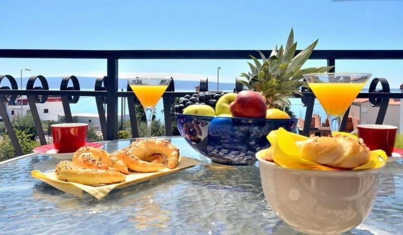 Nice and sunny apartments near Split, holiday rental in Podstrana