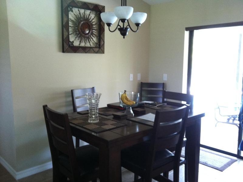 Table w/extensible de salle à manger