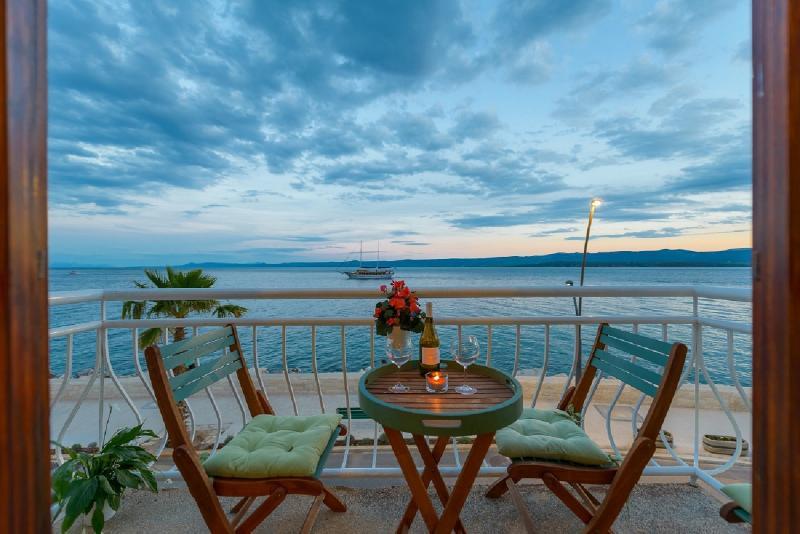 TOP LOCATION! BEACH & CENTER apartment in BOL, holiday rental in Brac Island
