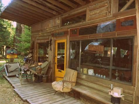 Studio Edge of the West log cabin
