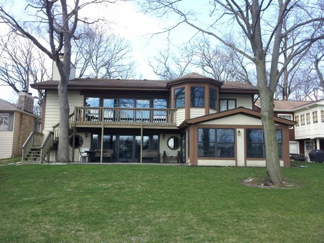 Stunning Lake Front Home - Powers Lake, WI, holiday rental in Antioch