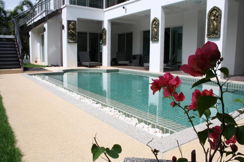 Impressive high quality pool villa in Kamala Beach, alquiler de vacaciones en Kamala