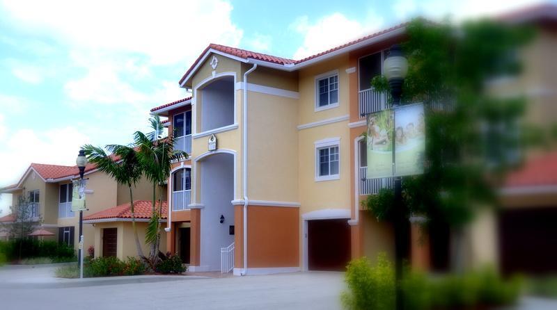Luxurious Mediterranean Condominiums