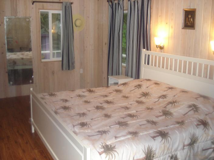 Camera da letto, guardando a est