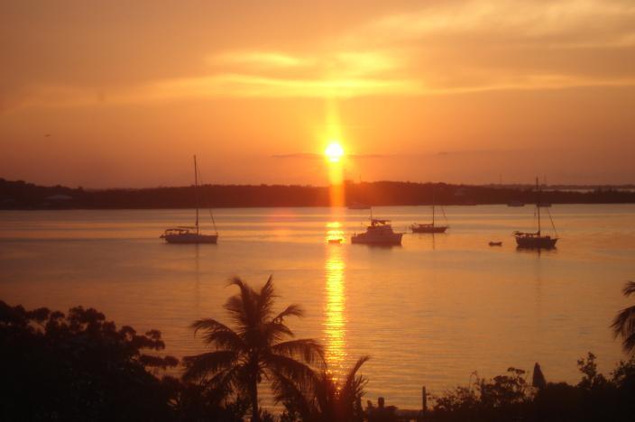 Puesta de sol de verano de la cubierta de Storrhaven