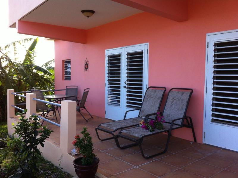 Villa Tres Palmas, Walk to Beach, OceanView, vacation rental in Isla de Vieques