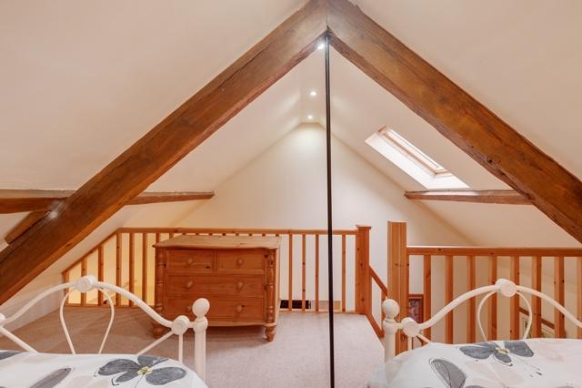 Twin room on a mezzanine floor