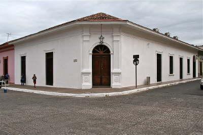 La casa como se ve desde la Calle La Calzada