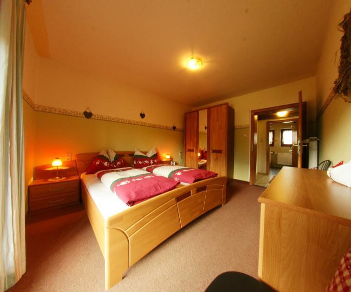 Landhaus Kitzbichler - Apartment 2, holiday rental in Sachrang