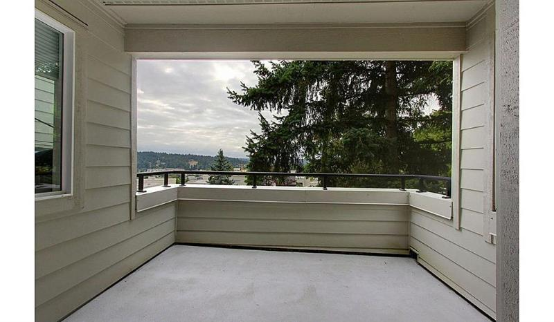 Semi-covered balcony with beautiful territorial views