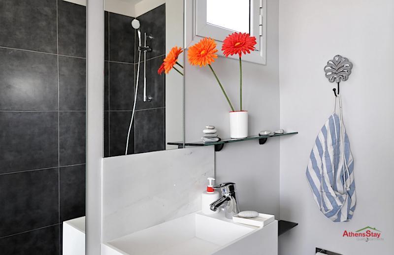 miroir pleine grandeur dans la salle de bain