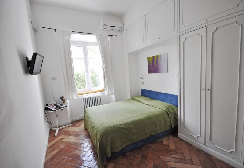 Studio Val, ideal for a creative or short stay, Ferienwohnung in Bagnoli