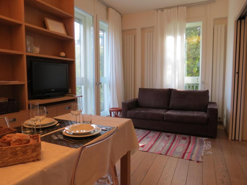 Luxury, cosy nest in downtown Milan, holiday rental in Milan