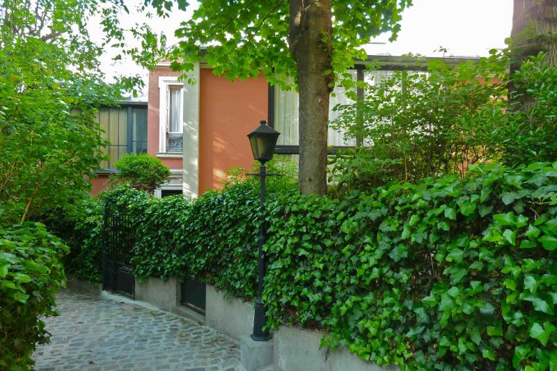 Montmartre Villa des Acacias, holiday rental in Paris