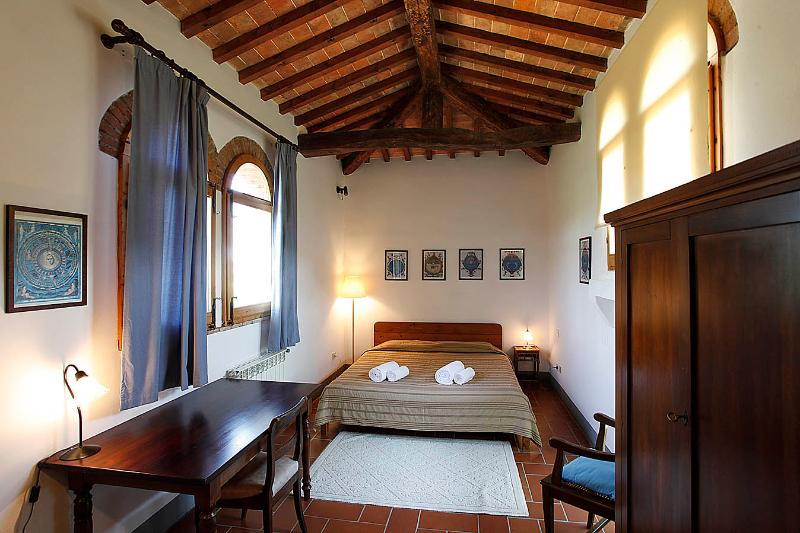 TORRE - in the countryside  with pool, vacation rental in San Casciano in Val di Pesa