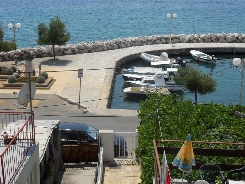 vista magnífica y única...El apartamento en una zona tranquila posición, enfrente al mar.