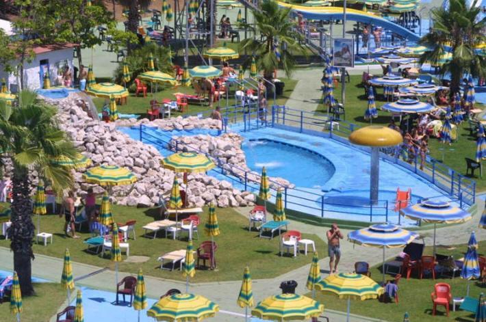 Water park 25 kilometers from Cori