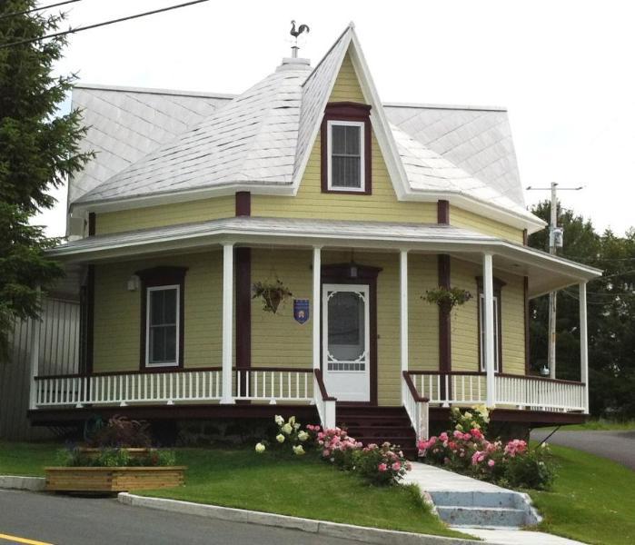 Maison octogonale, alquiler de vacaciones en Amos