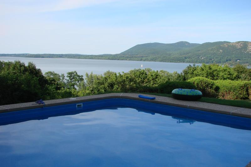 50 Mins from  Manhattan River view, alquiler de vacaciones en Monroe