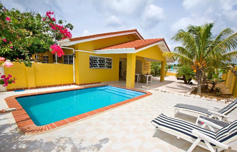 Villa Amarilla rencontré Door porche en prive zwembad