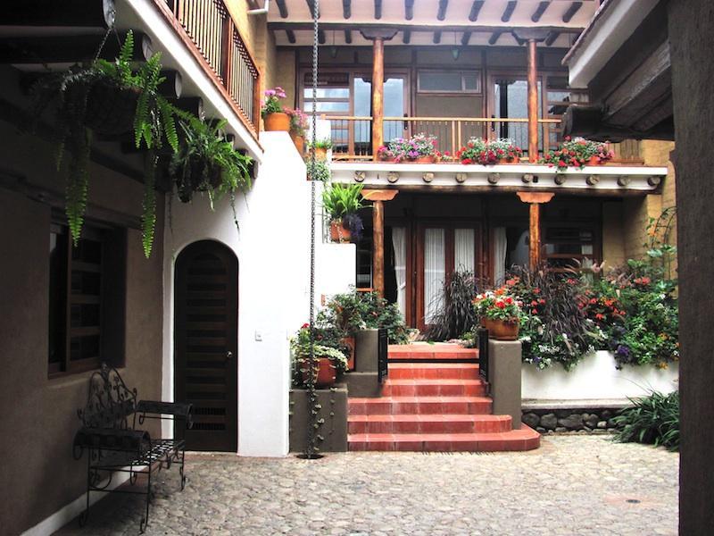 Pumamaqui courtyard and garden
