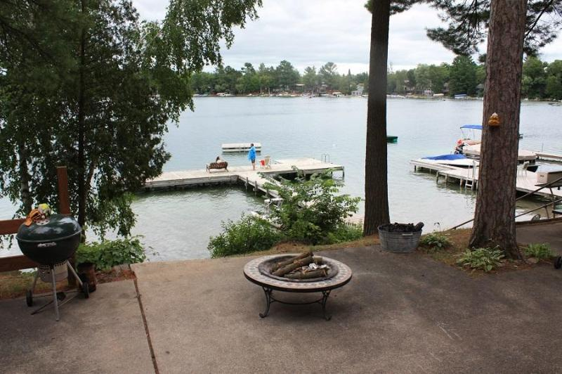 10 Steps to the Water  Waupaca Chain O'Lakes #3, alquiler vacacional en Poy Sippi