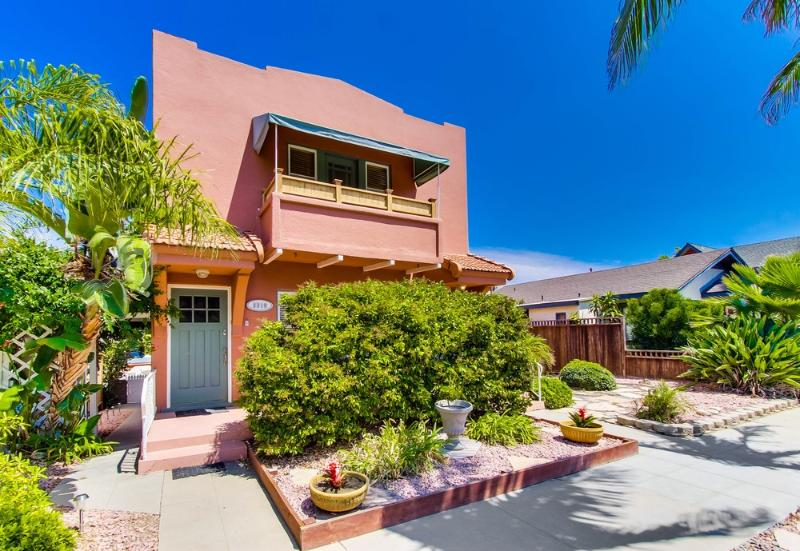 Large, Bright, Romantic One Bedroom in North Park!, vacation rental in San Diego