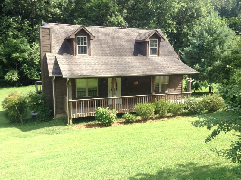 Come home to Rooster Creek Cabin in the Smokies!, holiday rental in Townsend