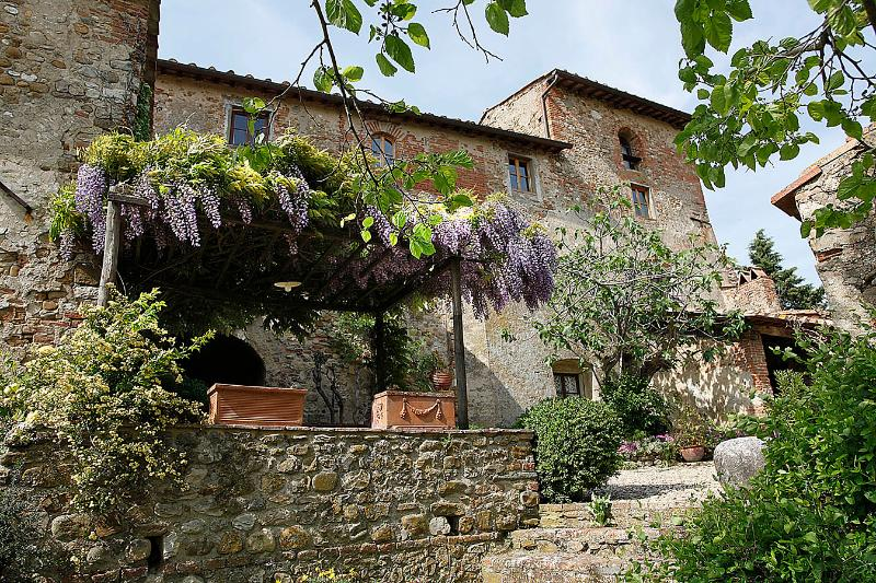Tuscan Country house in the chianti area with pool, vacation rental in San Casciano in Val di Pesa