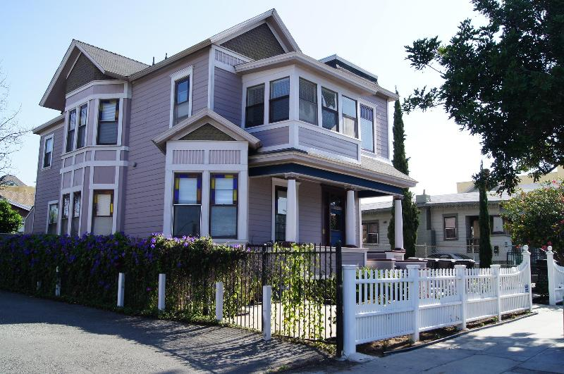 Gorgeous Victorian on Slope Overlooking Downtown San Diego.